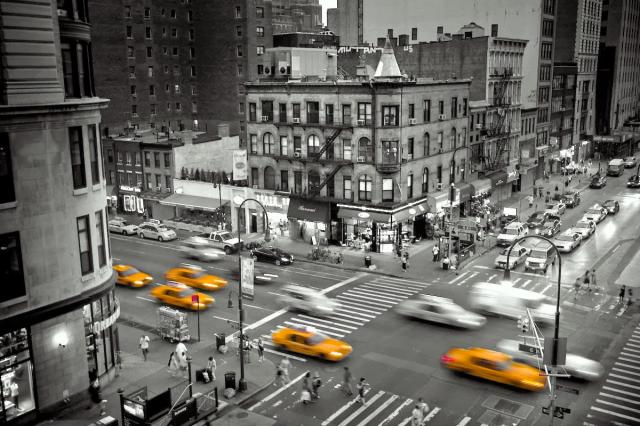 new-york-city-Taxi-black-and-white-photography1.jpg
